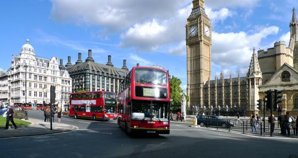 Современные двухэтажные автобусы