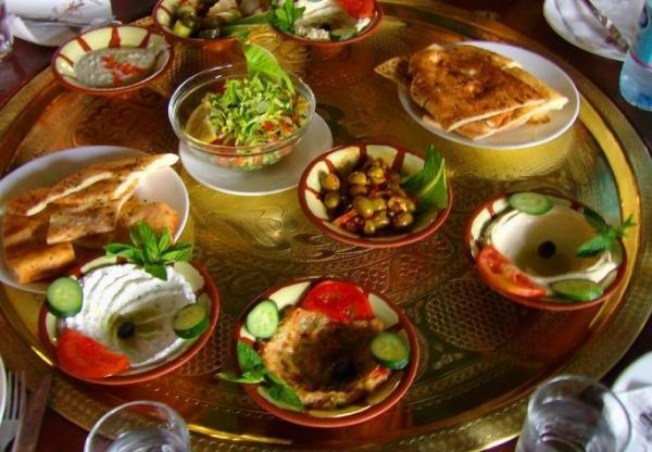 Обязательные закуски, которые подают гостям перед обедом в ресторанах Иордании