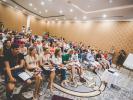Начавшийся чудесно день обещал подарить массу положительных эмоций и ярких впечатлений! И ожидание оказалось не напрасным - после завтрака украинские турагенты отправились в просторный конференц зал на тренинг Ицхака Пинтосевича – гуру в сфере обучения и коучинга.  Автор 13 книг бестселлеров и уникальных обучающих программ, тренинги которого посетило более 64 000 участников и около 1000 бизнес-тренеров и коучей из 27 стран мира, поделился с украинскими турпрофи секретами успешных продаж.