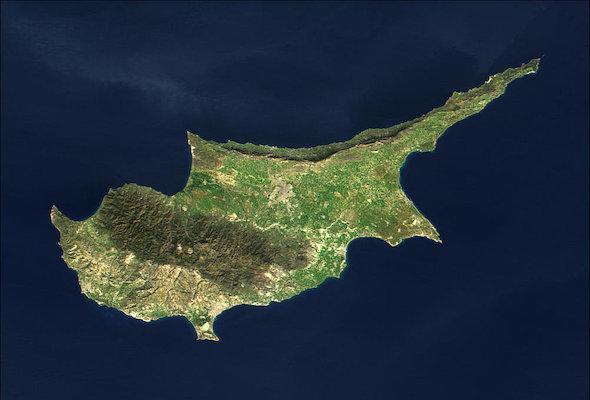 Туристам на Кипре будет легче, чем местным