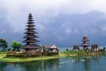 Индонезия становится все более привлекательной для туристов