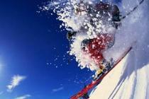 На альпийских горнолыжных курортах царит зима