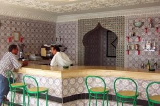 Тунис: правительство исламистов пообещало не закрывать бары для туристов