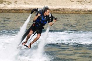В Крыму туристов покатают на летающем рюкзаке