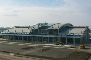 Аэропорт Жуляны открывает терминал