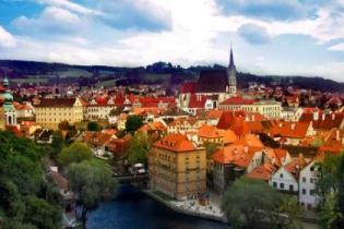 МИД Чехии без объяснения причин лишил аккредитации 9 крупных туроператоров Украины