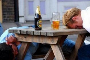 Власти Болгарии будут материально наказывать пьяных туристов