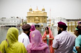 Гостей Индии просят одеваться прилично