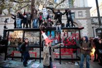 В Лондоне арестованы более 1 тысячи мародеров, среди них учитель, балерина и дочь миллионера