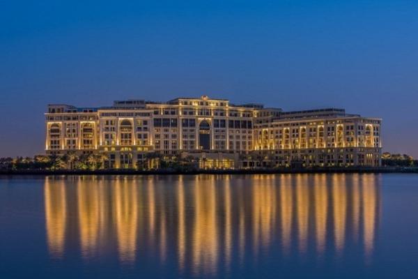 В Дубае открылся отель от Версаче