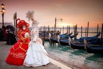 Весь февраль туристов в Венеции ждет карнавал