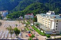 Пятьсот туристов выселили из отеля в Турции