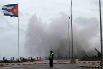 На Кубе обещают восстановить все курорты и отели к ноябрю