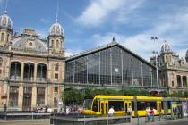 УЗ запускает продажу билетов через интернет на все международные поезда