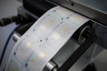 Загранпаспорта снова пообещали печатать быстрее