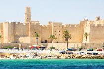 В Тунис вернулись туристы