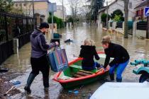 Из-за сильнейшего наводнения закрыты достопримечательности Парижа