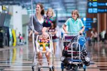 Выезд детей за границу собираются упростить