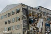После землетрясения на Бали туристы в панике покидают отели