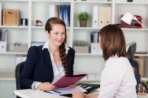 Легко ли агентству найти менеджера и сколько им платят?