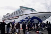 Пассажиров лайнера отправляют на карантин