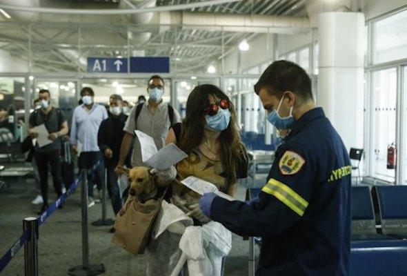 Почему украинцев не впустили в Грецию?